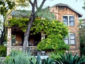 905 Avondale house